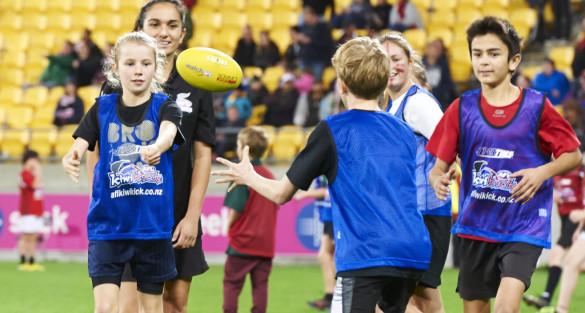 KiwiSport helps introduce Wellington students to AFL