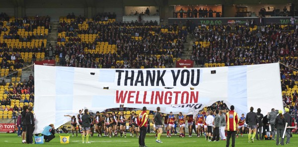 The St Kilda Saints express their gratitude to Wellington at the 2014 ANZAC Day Match.