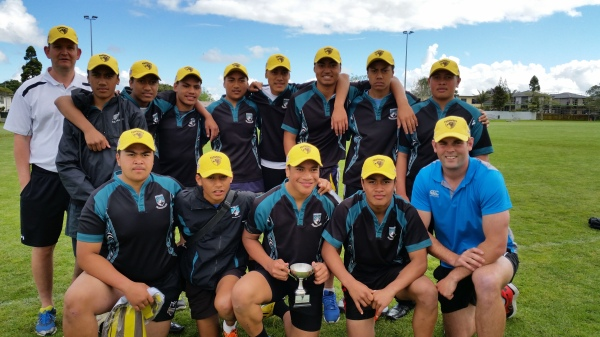 Southern Cross with the Counties Cluster Trophy.